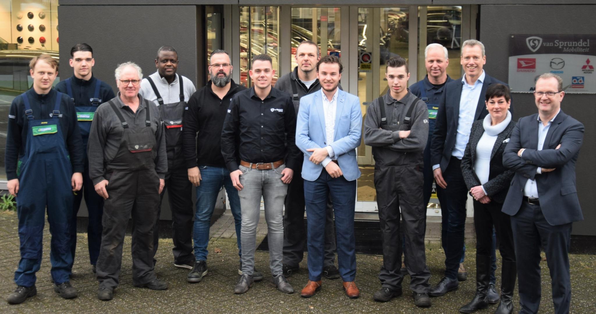 team van Sprundel Roosendaal buiten